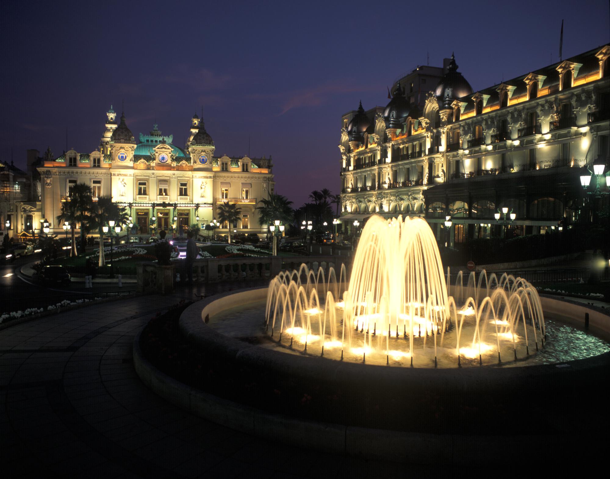 Casino v Monte Carlo-iluminated