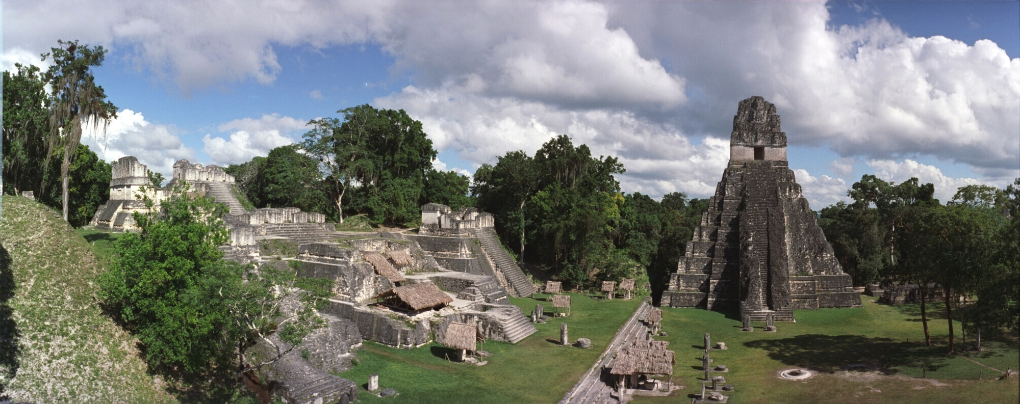 Tikal – pyramida Jaguar – Guate